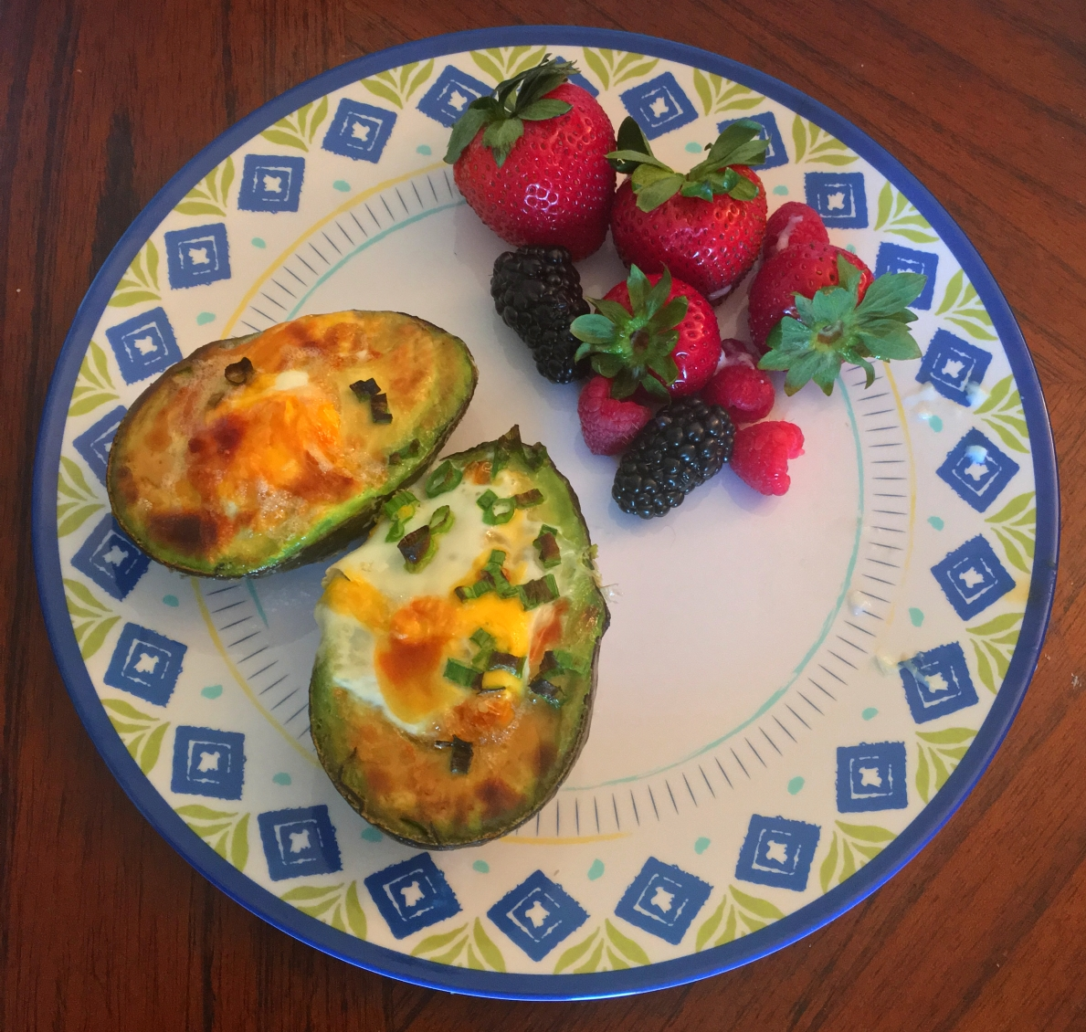 Paleo Baked Eggs in Avocado
